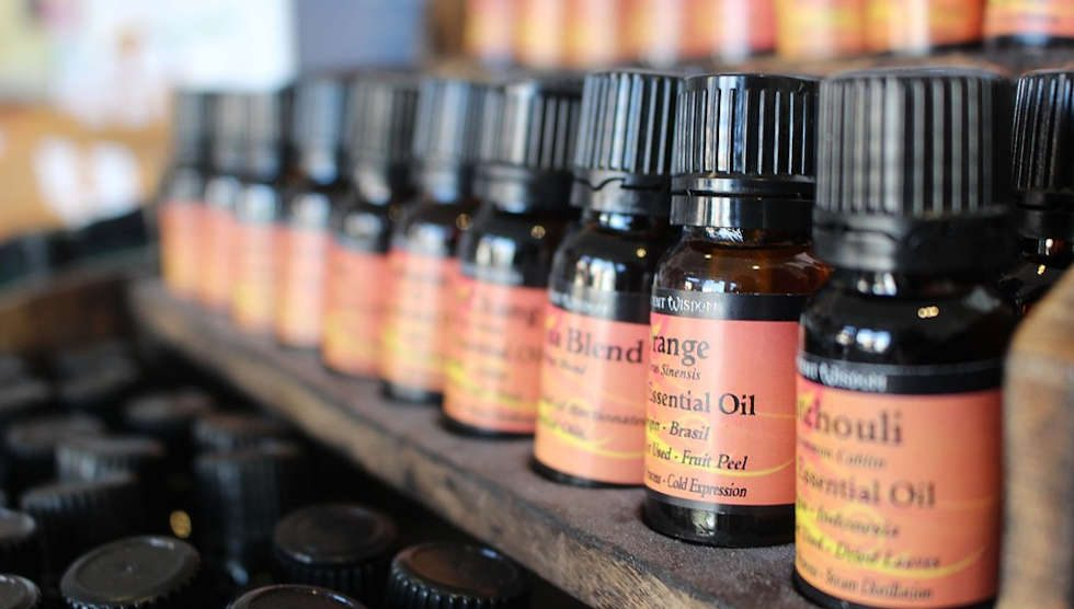 Essential Oils Toxic to Dogs & Cats